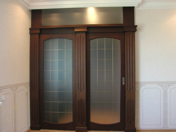 doors-gaderobnoy-room-with-glass-sliding-www.vipdoors.by.jpg