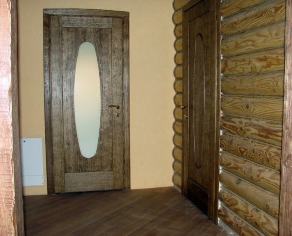 curly-door-of-solid-oak-in-the-VIP-interior-wooden-house-www.vipdoors.by.jpg