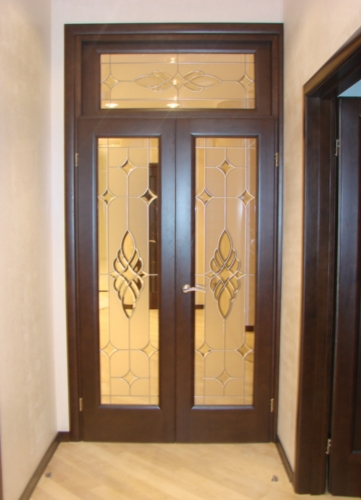 doors-with-and-stained-glass-Windows-of-the-double-for-the-hall-www.vipdoors.by.jpg